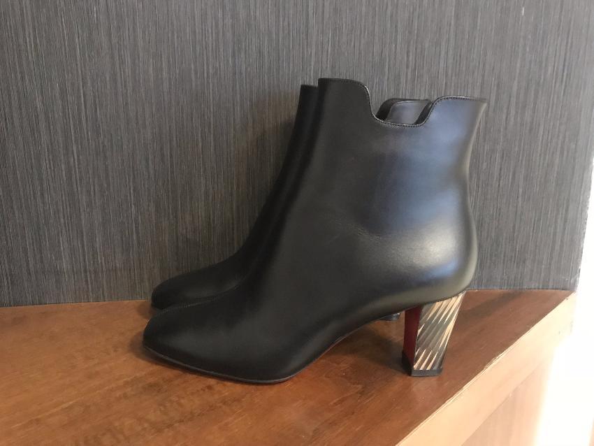 separation shoes e9fa7 6cc1c Christian Louboutin Tiagada Leather Ankle Boots
