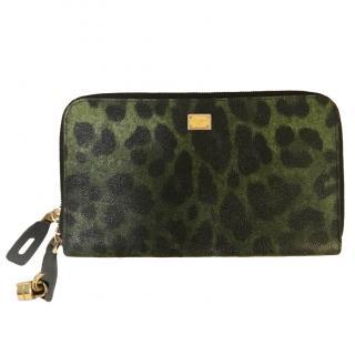 Dolce and Gabbana Leopard print Clutch