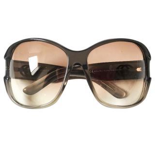 GUCCI oversized logo sunglasses