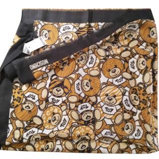Moschino teddy scarf/ wrap