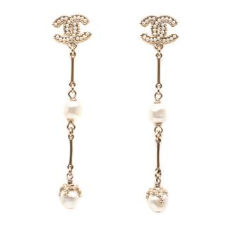 Chanel CC Logo Pearl Long Earrings