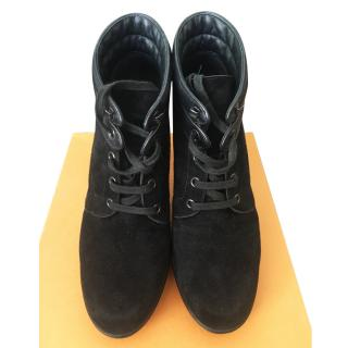 Tod's suede boots size 40