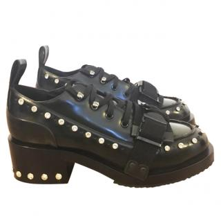 No.21 embellished leather brogues