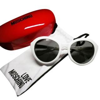 MOSCHINO white oversize sunglasses