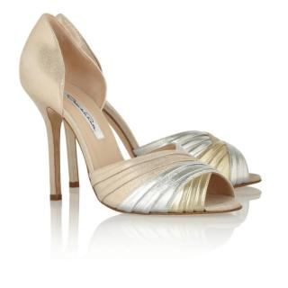 Oscar de la Renta light gold pumps