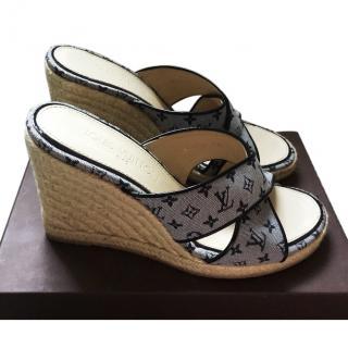 Louis Vuitton wedge sandals size 40