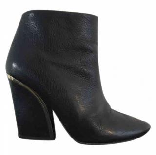 Chloe Beckie boots