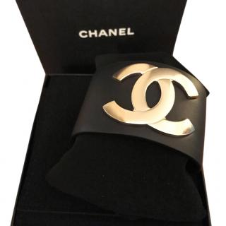 Chanel double C logo black leather cuff immaculate condition