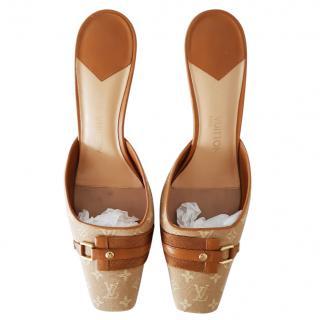 Louis Vuitton monogram kitten heels size 6