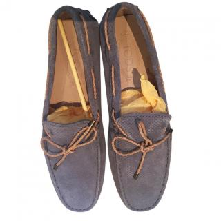 Tom's grey suede driving shoes