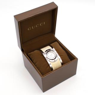 Gucci YA112419 stainless steel swirl bangle watch