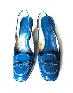 TOD'S blue patent leather slingback pumps