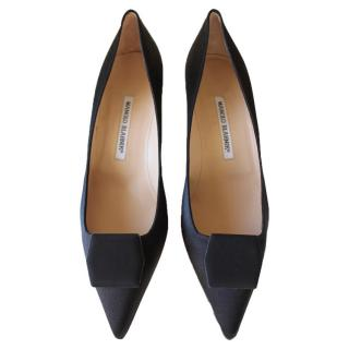 Manolo Blahnik black tin saheels