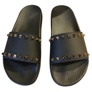 Valentino Garavani Rockstud black Slides