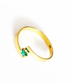 Bespoke Solid 18k Gold and Emerald Ring
