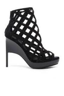 Burberry Prorsum RUNWAY Black Suede Sandals