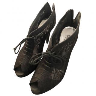 Baldinini lace booties