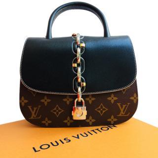 Louis Vuitton Chain It PM bag