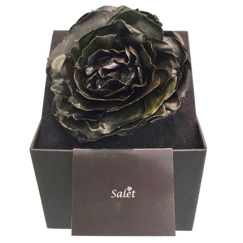 Salet Resin Rose Brooch