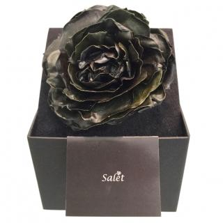 Salet Resin Rose Brooch