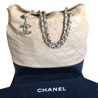 CHANEL Quilted Shopper Bag - Beige/Black