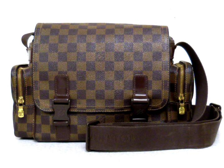 best service 33d0d 5fb8f Louis Vuitton Camera Bag- Damier Brown
