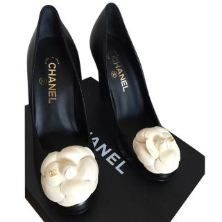 Chanel camellia leather pumps