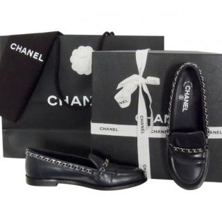 Chanel Navy Blue Chain Trim Lloafers