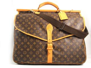 Louis Vuitton chasse hunting bag