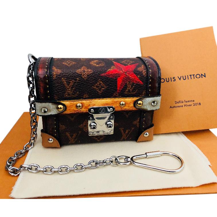 b32ea132b419 Limited Edition Louis Vuitton Time Trunk Essential Trunk Fw18 Run ...