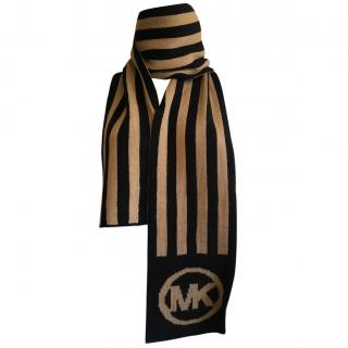 BNWT scarf