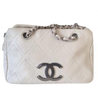 Chanel Diamond Stitch Leather Shoulder Bag