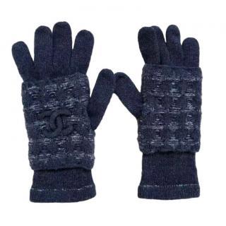Chanel CC logo cashmere gloves