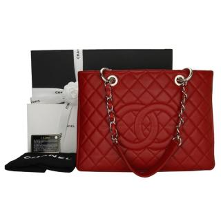 CHANEL  Grand Shopping Tote (GST) in Red Caviar