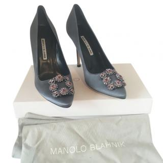 Manolo Blahnik Grey Satin Hangisi Pumps