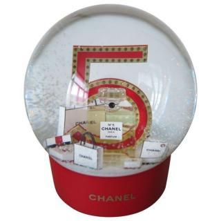 Chanel no5 Snowglobe