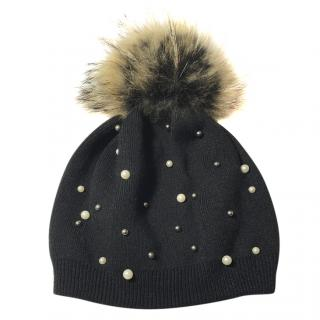 Bespoke wool and fur bobble hat