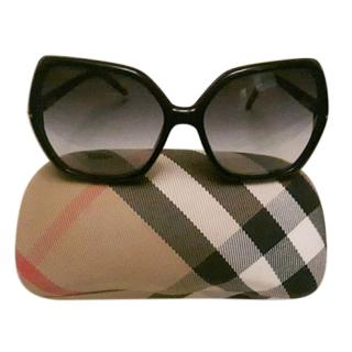 Burberry B4107 3001/8G Oversized Sunglasses