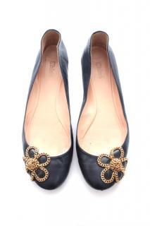 Chloe Chain Flower Leather Ballerina Flats