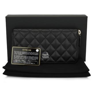 CHANEL Classic Black Caviar Zipped Wallet