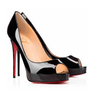 34c3b079c801 Christian Louboutin Very Prive patent leather pump