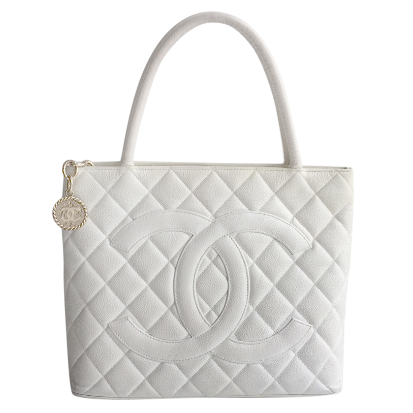 864172c7fa2a Chanel Ivory Quilted Caviar Vintage Medallion Bag