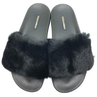 Dolce & Gabbana black rabbit fur slides