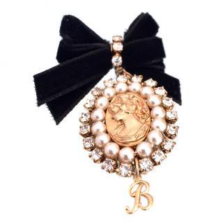 Blumarine Cameo Swarovski Crystal & Pearl Brooch Pin