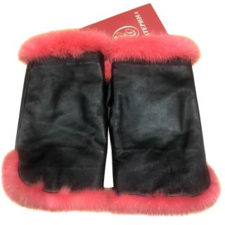 Bespoke pink mink fur and leather mittens