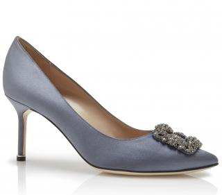 54c82b1924c Manolo Blahnik Grey Satin Hangisi 70 Pumps