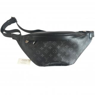 Louis Vuitton Discovery Bumbag