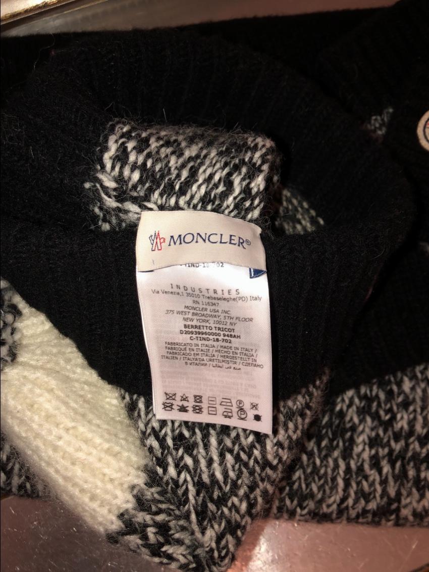 wholesale dealer 39cfd b9d44 Moncler Black & White Knit Hat, Scarf & Gloves Set - New Season