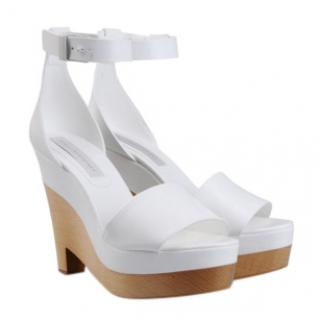 Stella McCartney Lindsey white faux-leather wedges
