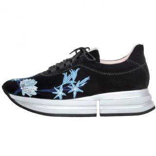 Pretty Ballerinas christy embroidered flowers blue suede sneakers